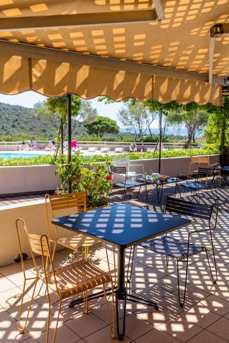 Location de villa avec piscine et lounge bar à Santa Giulia
