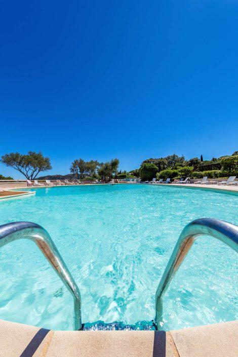 Location de villa avec piscine à Santa Giulia